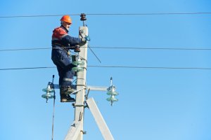 Power line work to re-route Ave. I traffic Friday