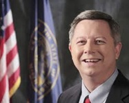 Heineman mum on favorites for lieutenant governor