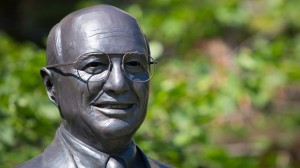 UNL Dedicates Statues of Former Secretaries of Agriculture