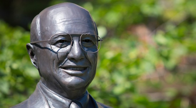 Statue of Nebraska native Clayton Yeutter, former US Ag Secretary. Courtesy of UNL News