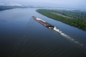 Barge traffic makes a resurgence on the Missouri River