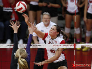 Illinois topples Huskers in four