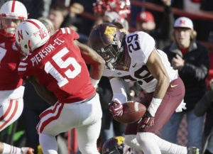 Huskers drop second straight, 28-24
