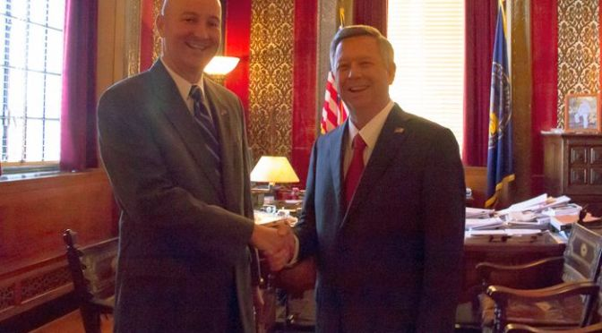 RRN/Left, newly elected Governor, Pete Ricketts. Right, Governor Dave