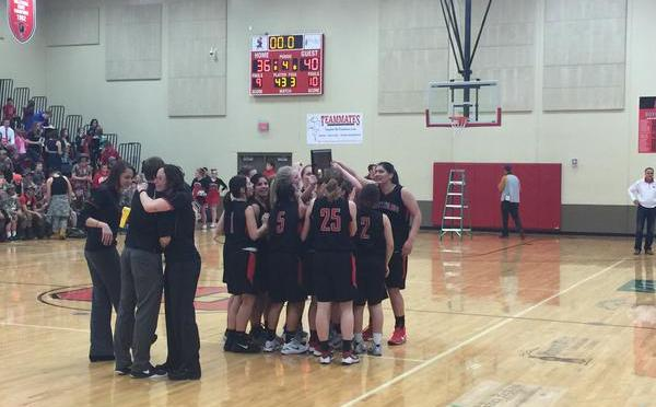 Bearcats celebrate(Photo by Chris Cottrell.