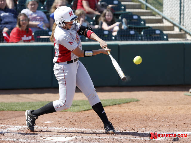 Huskers Earn Sweep At Home