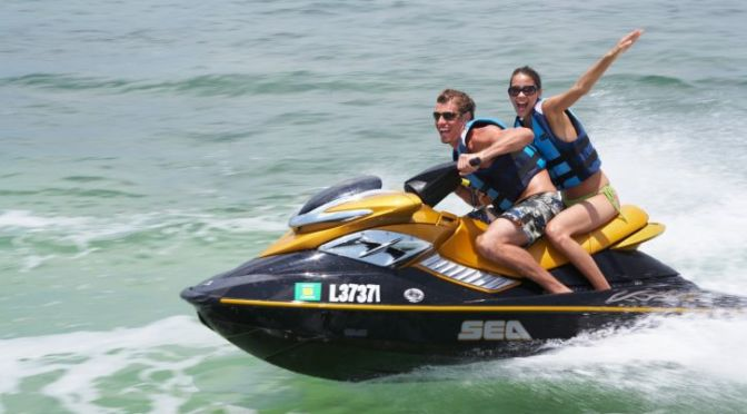 V-001/Digital ision/ThinkStock. Jet Ski.