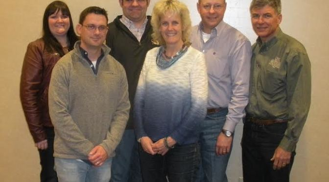 Courtesy of eBEEF.org. Front (L-R): Dr. Matt Spangler, University of Nebraska and Dr. Alison Van Eenennaam, University of California – Davis.     Back (L-R): Dr. Megan Rolf, Oklahoma State University; Dr. Jared Decker, University of Missouri; Dr. Bob Weaber, Kansas State University and Dr. Darrh Bullock, University of Kentucky.