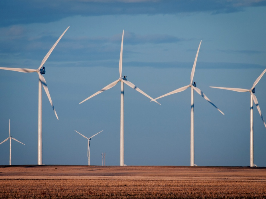 Nebraska to build wind farm to power Facebook center