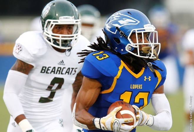 Lopers Fall At Home To Bearcats