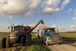 Nebraska Corn reminds ag workers, rural residents and visitors to be safe this harvest season