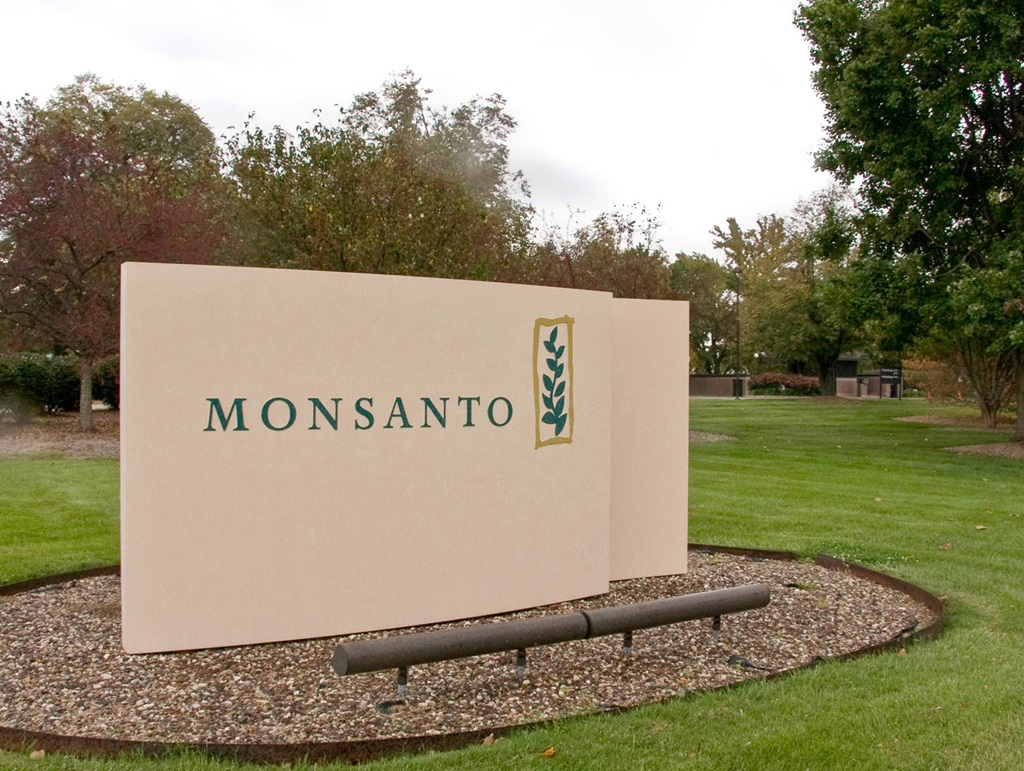 Monsanto Says Worker Stole Data