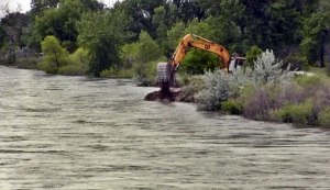 River bank erosion threatens Gering water supply