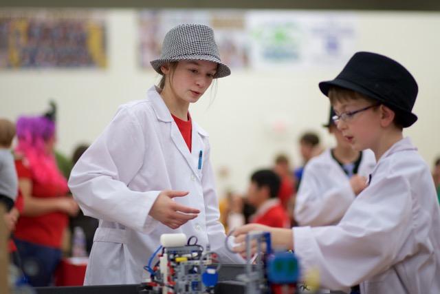 Youth explore STEM fields during Nebraska 4-H summer camp