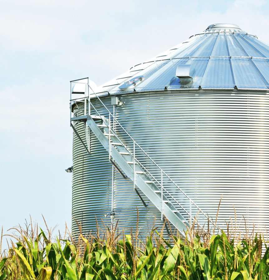 Bunge Sees Farmers' Bin-Building Slowing