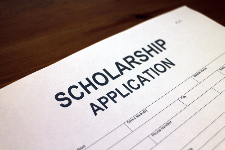 Scholarship Deadline Extended for Junior & Senior College Students