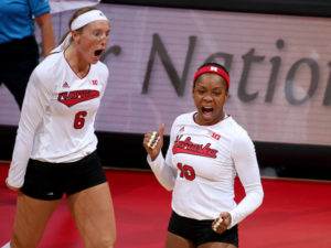 Huskers sweep Michigan