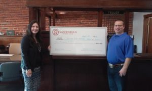 Sandhills State Bank Donates $2000 to United Way Day of Caring