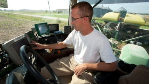 Benefits of Precision Agriculture Vary Based on Farm Size, Technology