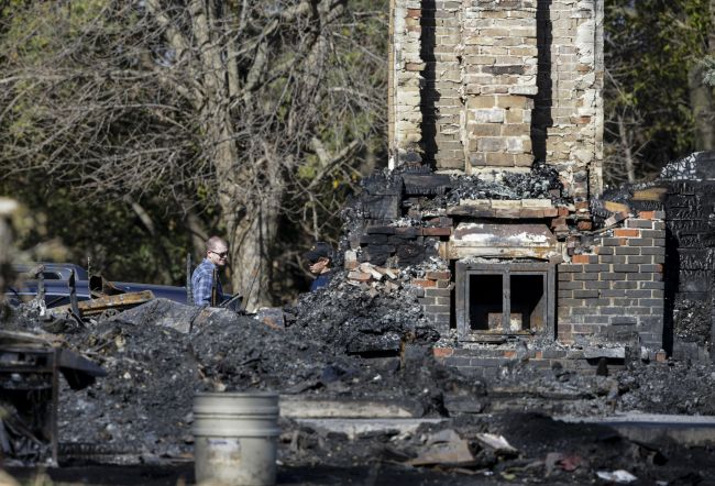 Fireplace embers blamed for fire that killed Nebraska family