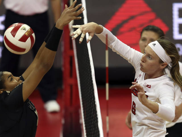 Rolfzen Named B1G Player of the Week