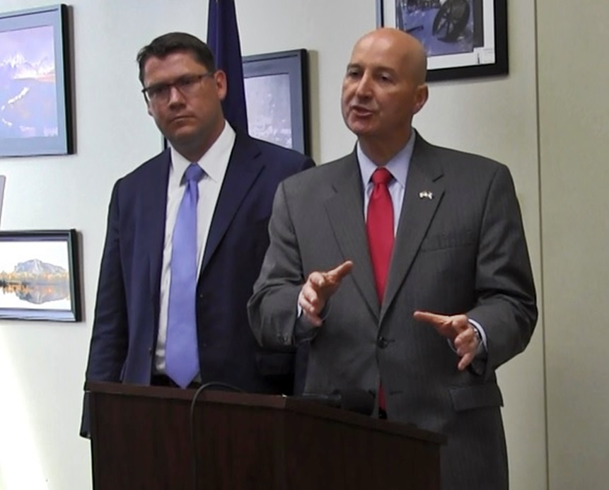Ricketts highlights Heartland Expressway projects during visit