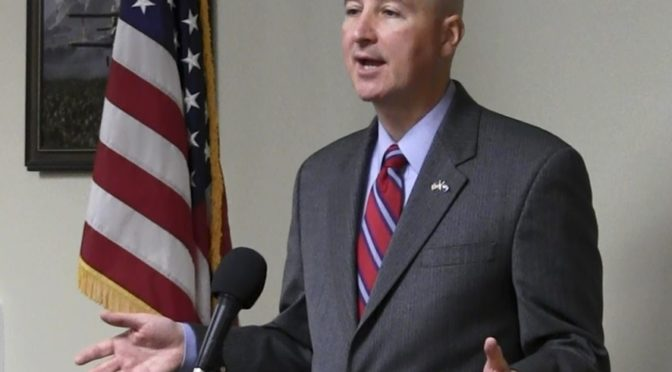 Nebraska Governor Pete Ricketts speaks in Scottsbluff - January 13, 2017 (Strang/RRN/KNEB)
