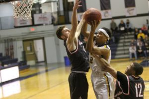 Shahid finishes with 22, Cougars win third straight