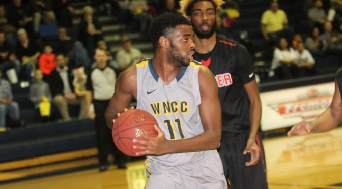 Diamond Onwuka scored 3 points in Cougars loss Monday night to Casper. (photo courtesy of WNCC)