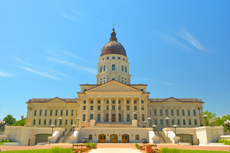 Kansas Legislators Override Veto, End Farm Income Tax Exemption
