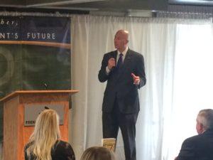 Governor Speaks at Fremont Chamber Ag awards