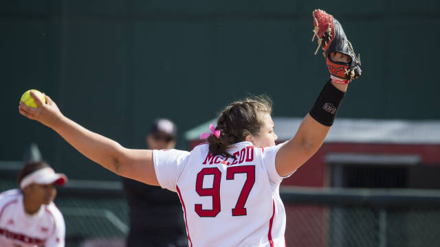 Huskers Lose Series Finale to Minnesota