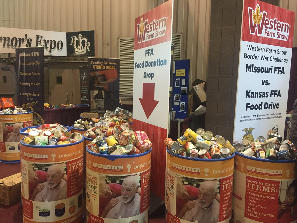 MO and KS FFA Students Collect Nearly 6,000 Items in Western Farm Show Food Drive