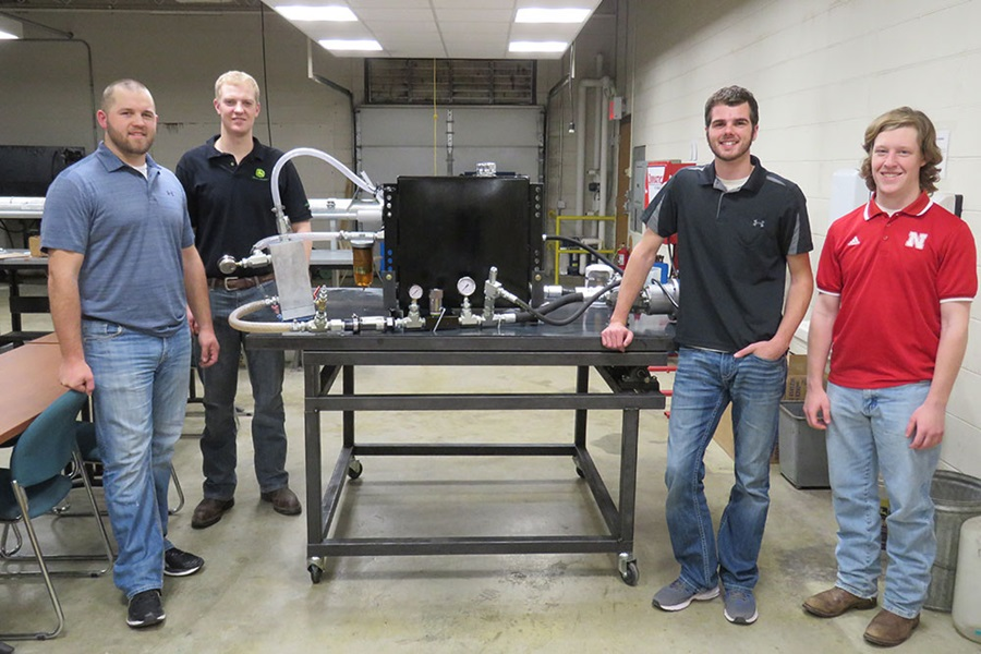 Team of BSE Capstone Students Helps John Deere Take Air Out of Hydraulics Problem