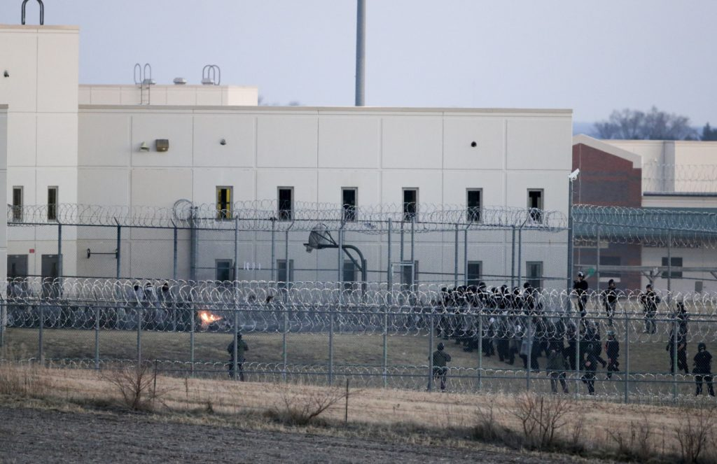Nebraska prison revolt that killed Bluffs inmate began with spat over alcohol