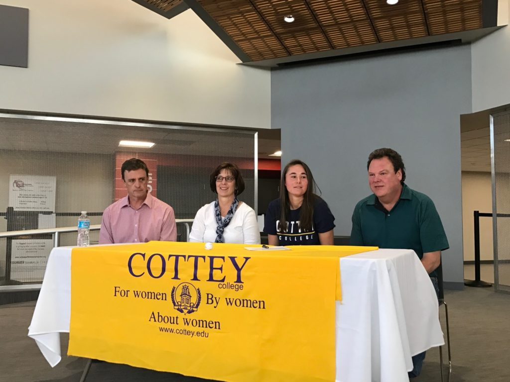 (AUDIO) Two signings at Scottsbluff High School
