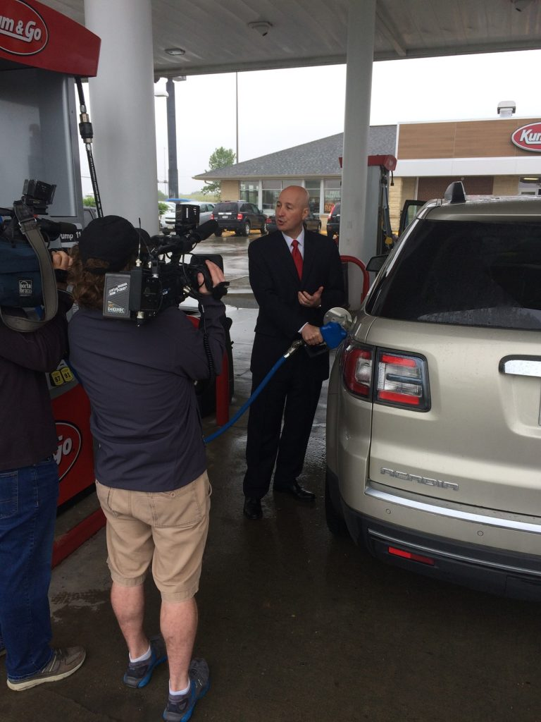 (Audio) Governor Ricketts Celebrates Renewable Fuels Month