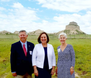 Senator stops in Gering on re-election campaign kick-off