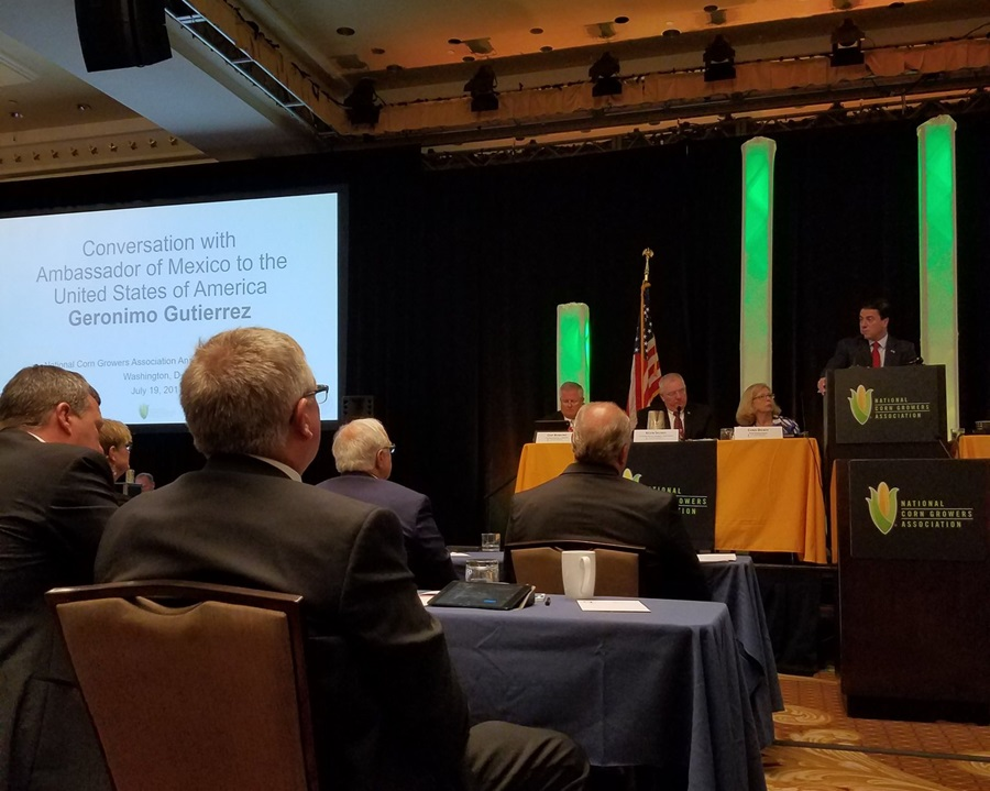 Mexican Ambassador Addresses Corn Congress Delegation