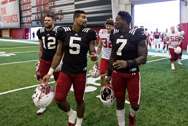 Huskers Join Badgers With 3-4 Defense, Hope for Same Results