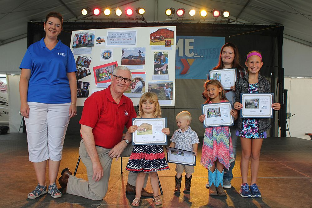 Treasurer Stenberg Recognizes NEST on the Farm Photo Winners at Nebraska State Fair