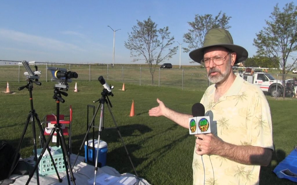 New Jersey couple in Gering builds special eclipse viewing binoculars