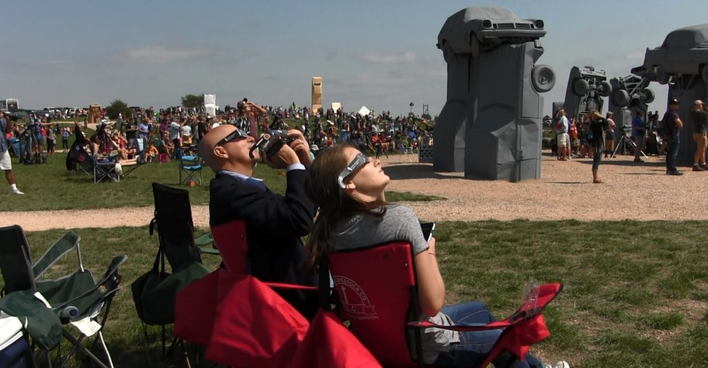 Nebraska Governor views eclipse at Carhenge