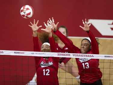 Huskers Fall to Oregon in Season Opener