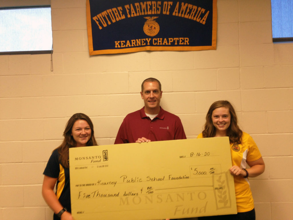 Kearney Public Schools receives $5,000 Monsanto Fund grant to Grow Agriculture Science Education.