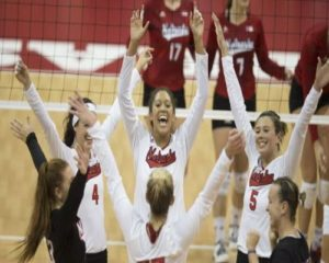 Huskers Hold Red/White Scrimmage