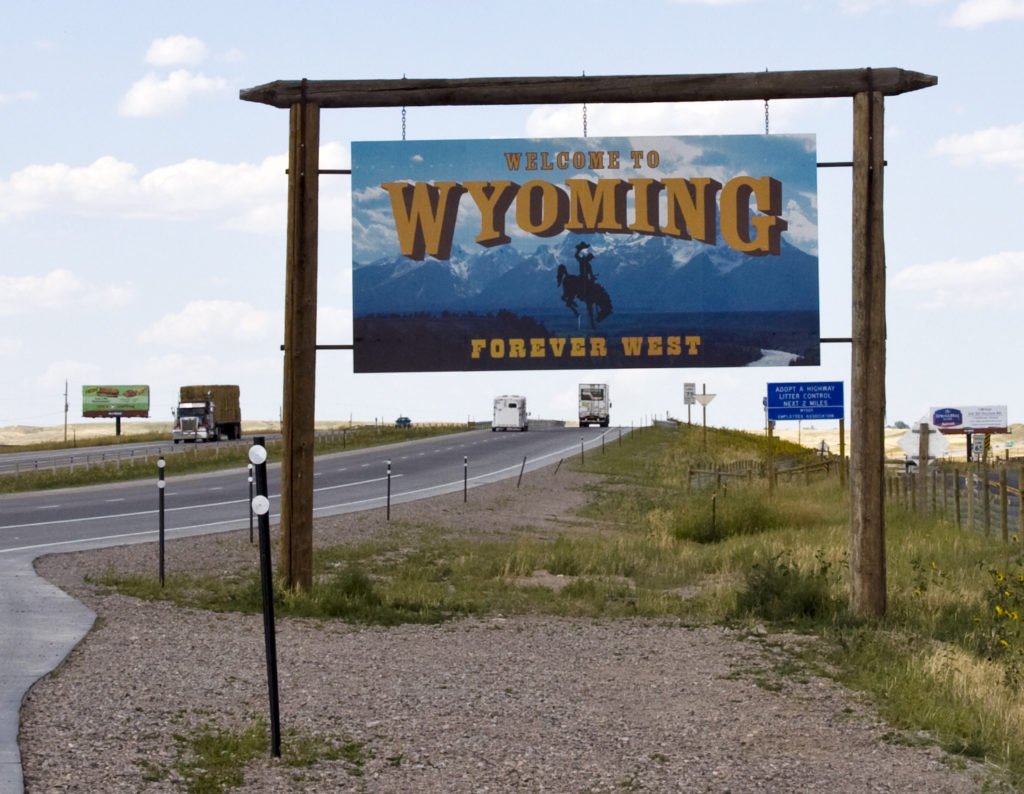 People shelling out more than $500 for old Welcome to Wyoming signs