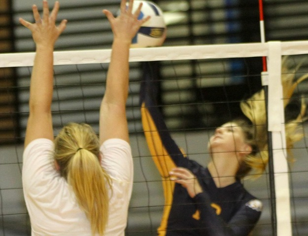 WNCC volleyball wins twice on Saturday