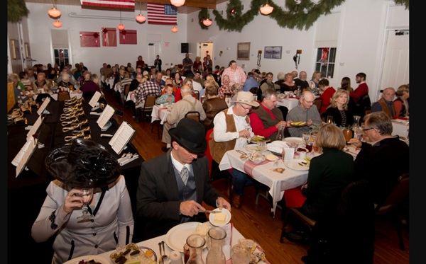 Fort Robinson Christmas Dinner has 1939 theme