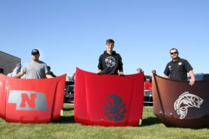 Ogallala man wins hood decorating contest